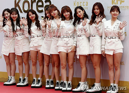 TWICE to release 1st full length album this month